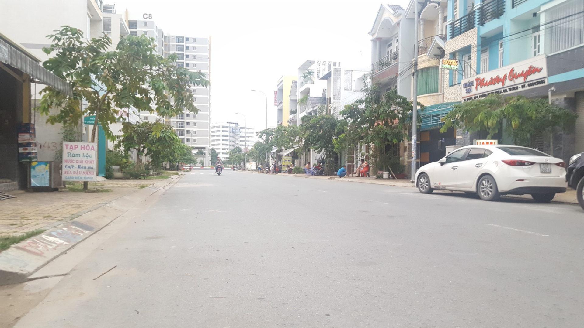 Đất Mặt Tiền Quận 9 Đường 494 Tăng Nhơn Phú A, Khu Trung Tâm Quận 9, Dân Đông Chỉ 4,3 tỷ Giá Tốt Nhất Thị Trường