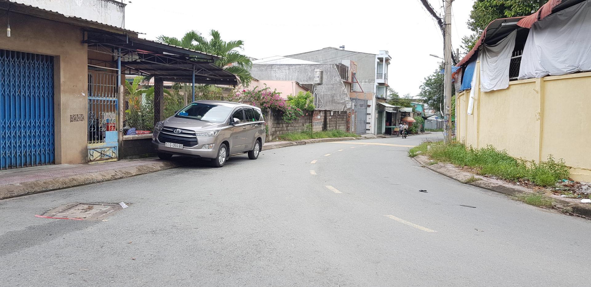 Đất Q9 Xây Trọ, DT 325m2 Chỉ 8.4 tỷ, Vị Trí Gần Lê Văn Việt, Ngay Trung Tâm Quận 9